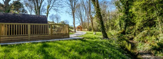 Padstow-creek-holiday-accommodation-cornwall-luxury-glamping-pods-padstow-hero-2-1