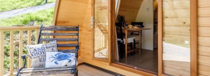 Padstow-creek-holiday-accommodation-cornwall-luxury-glamping-pods-padstow-hero-2-6