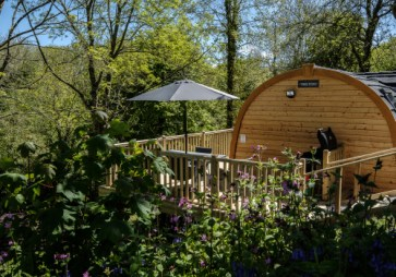 Padstow-creek-holiday-accommodation-cornwall-luxury-glamping-extra-large-Super-Pod-13