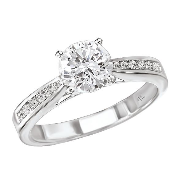 Graduated Diamond Semi-Mount Engagement Ring