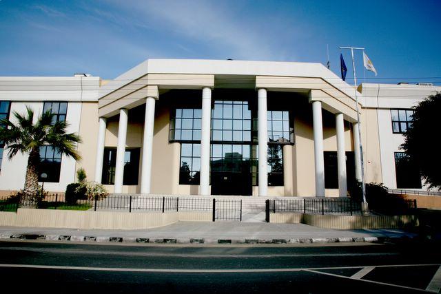Αναβλήθηκε για αύριο η εκδίκαση της υπόθεσης διαχωρισμού οικοπέδων στην περιοχή Σκαλί