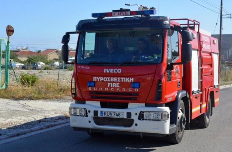 Ξέσπασε πυρκαγιά σε πολυκατοικία – Τραυματίστηκαν μια μάνα και το παιδί της