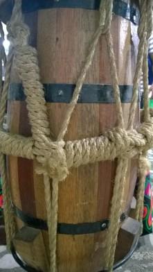 O atabaque representa a musicalidade do povo negro.