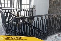 Railing-Balkon-Besi-Tempa-Klasik-Mewah-Modern-105