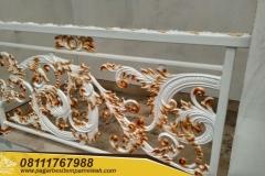 Railing-Tangga-Besi-Tempa-Klasik-Mewah-Modern-125