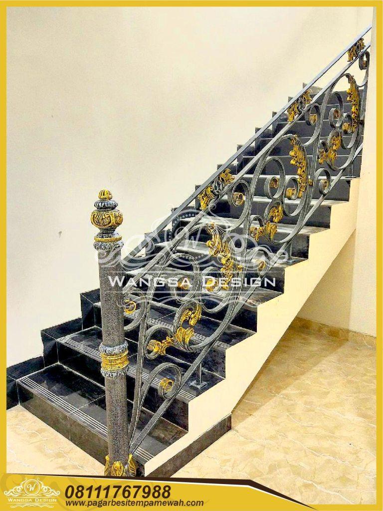 Railing Tangga Besi Tempa Klasik