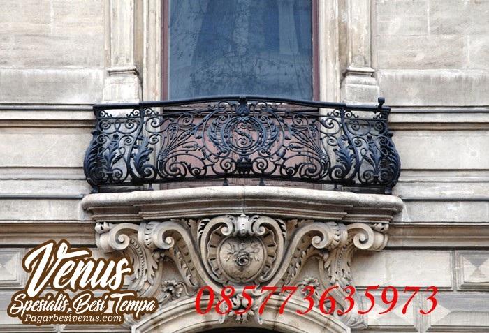 Pagar Balkon Klasik Besi Tempa (17)