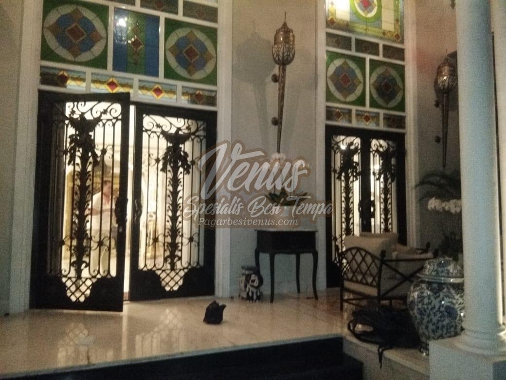 Pintu Besi Tempa Klasik (11)