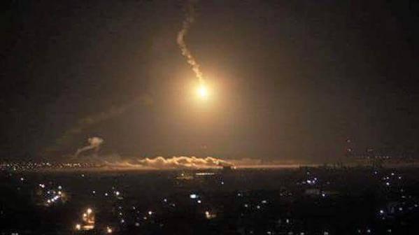 11096726_الحرب على الحوثيين , السعوديه تقصف صنعاء , السعوديه تحارب الحوثيين اخبار اليمن 26-3-2015_1121731689057453030_n