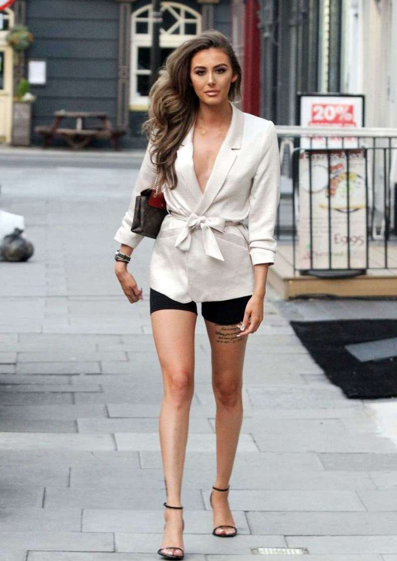 Chloe Veitch Pictured Fashionable And Showing Off Her Toned Legs