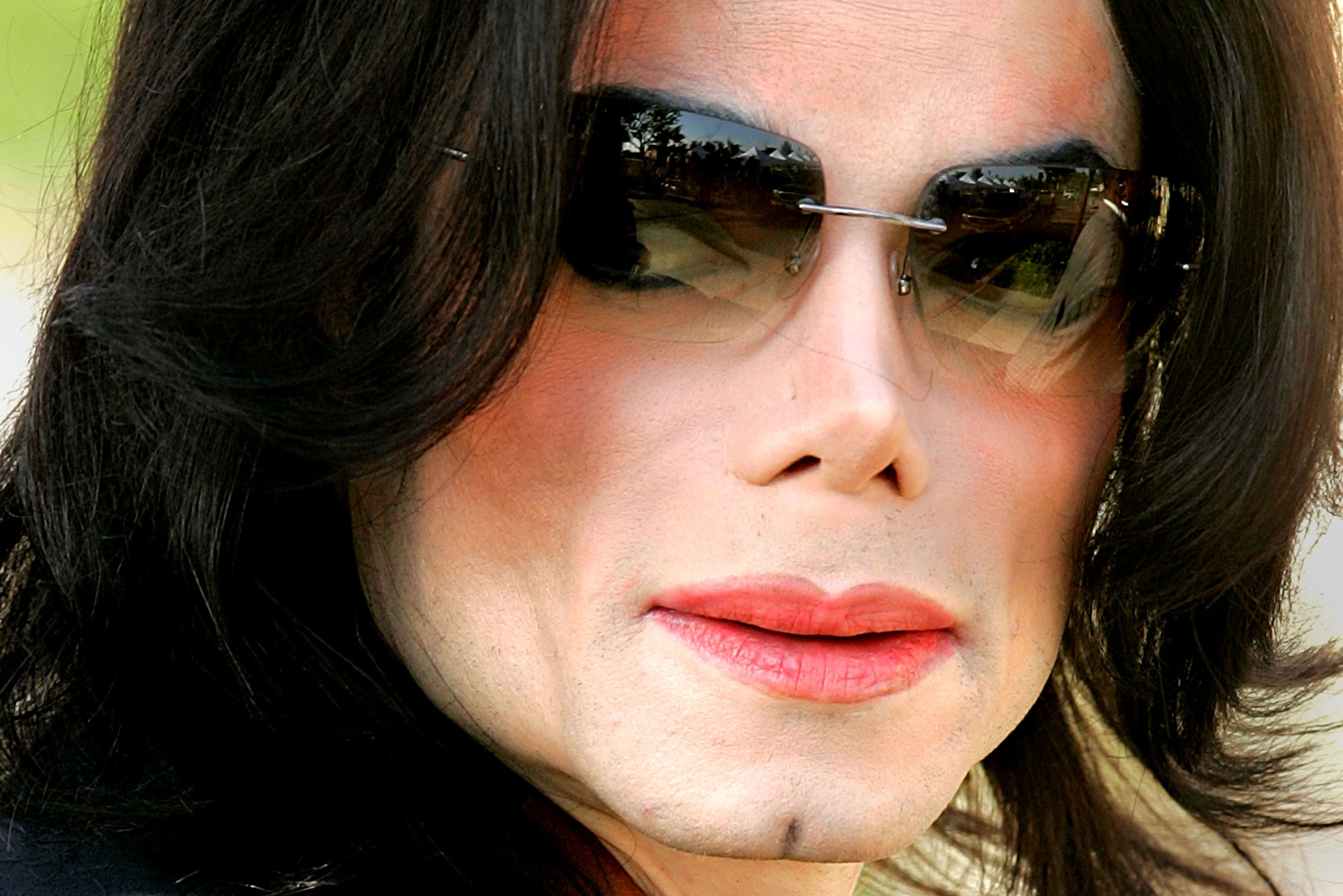Michael Jacksons home filled with sick snaps of naked