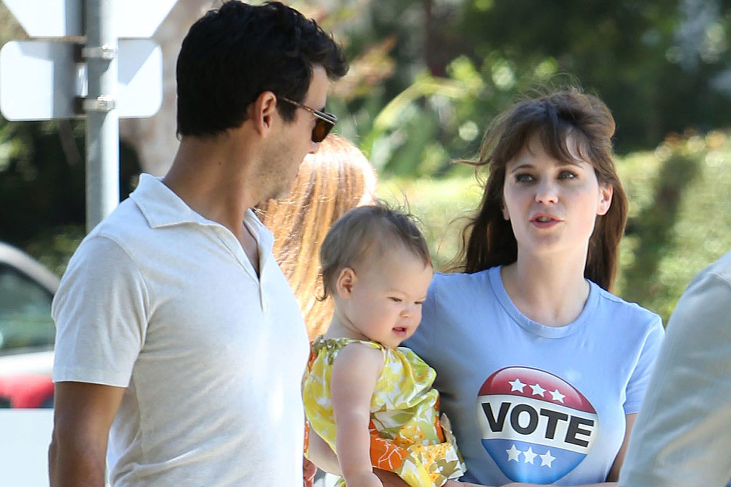 Zooey Deschanel S Daughter Has Predictably Quirky First Words Page Six