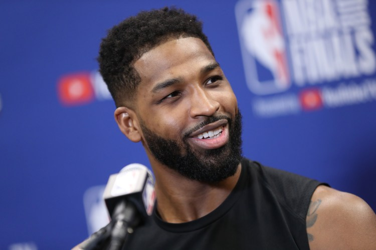 Tristan Thompson shares picture with True and son Prince ...