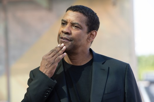 Denzel Washington booted from seat at boxing match