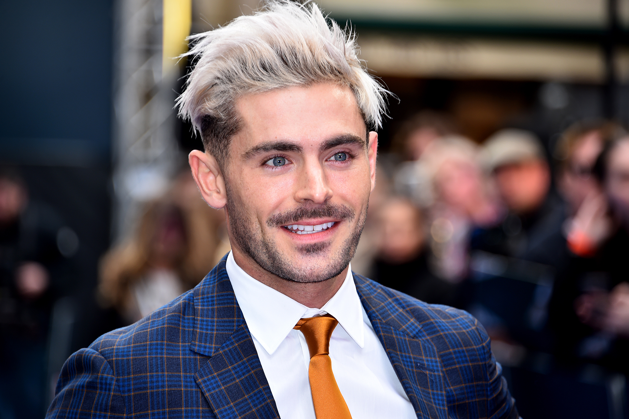 Zac Efron Gets Life Threatening Infection While Filming Killing Zac Efron Page Six