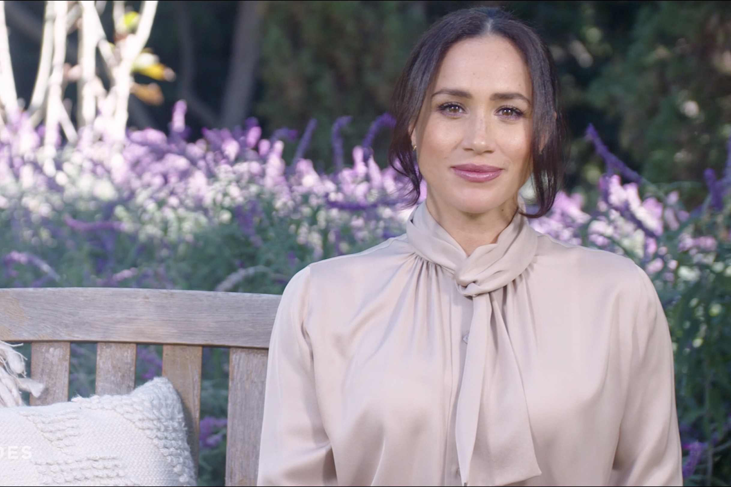 Meghan Markle makes surprise TV appearance to honor COVID heroes