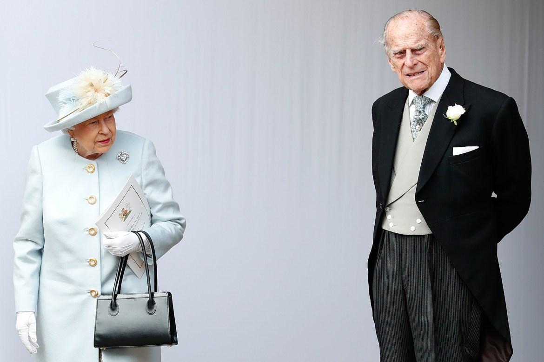 Queen Elizabeth and Prince Philip get COVID-19 vaccine 1