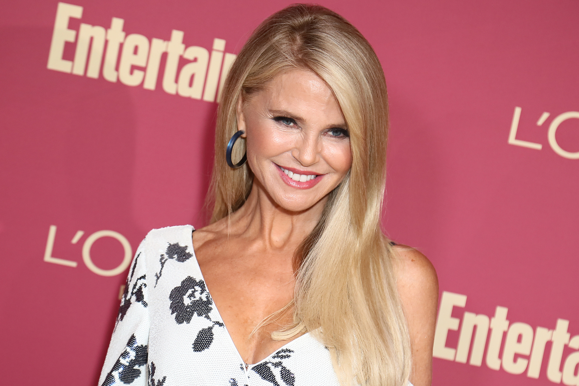Christie Brinkley gets hip replacement 26 years after helicopter crash