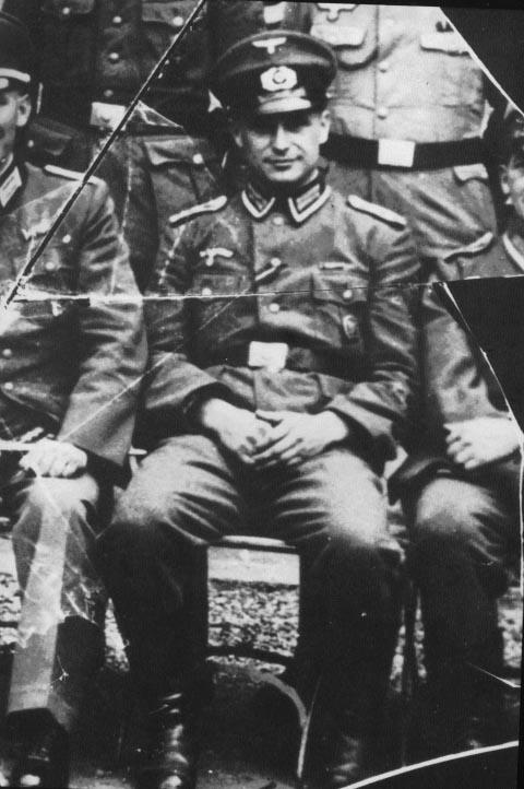 Portrait de Klaus Barbie jeune, en uniforme SS