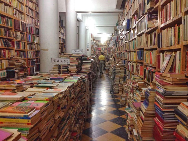 The Best Mexico City Bookstores for Books in English - Donceles Street in Centro
