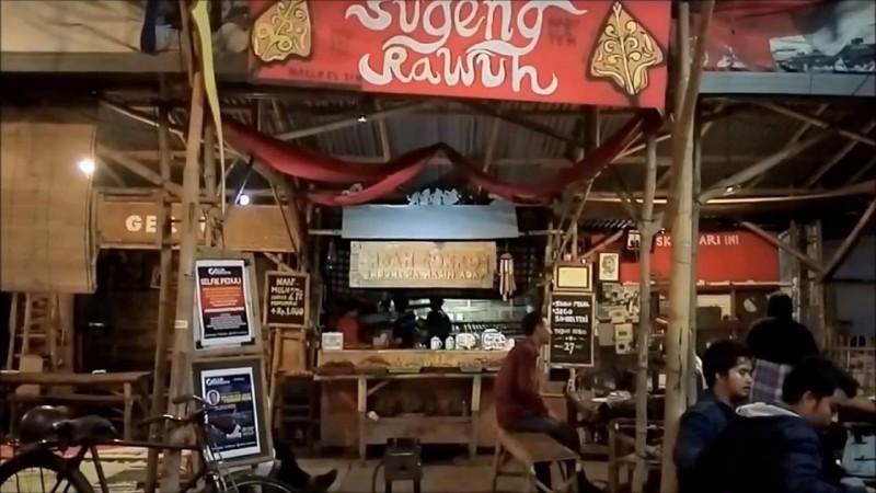 Warung Mbah Cokro Surabaya