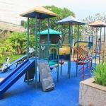 Aman dan Nyaman Mengajak Anak ke Taman Bermain