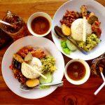 Kulineran di Bali? Ayo Berburu Nasi Ayam Kedewatan di Gianyar Bali!