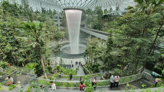 Daya Tarik dan Kemewahan Jewel Changi Airport Singapura