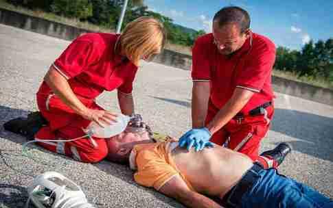 funciones de un tecnico de emergencias sanitarias