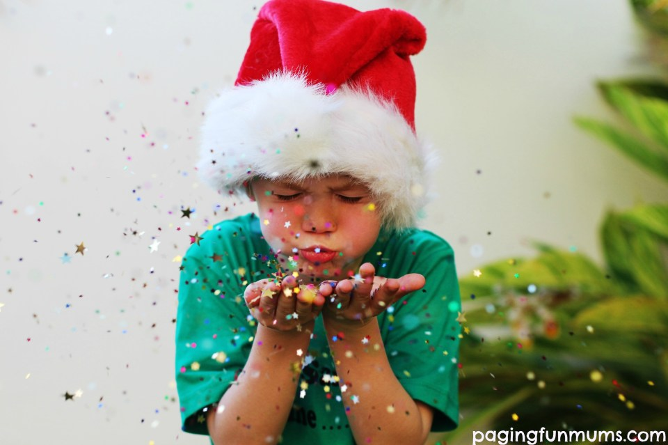 Awesome Blowing Glitter Christmas Photo Idea