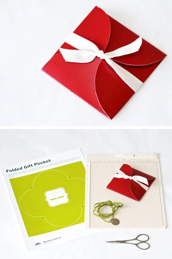 https://i2.wp.com/pagingsupermom.com/wp-content/uploads/2012/11/giftpouch.jpg?w=980