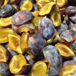 Prune curățate de sâmburi pentru gem de prune