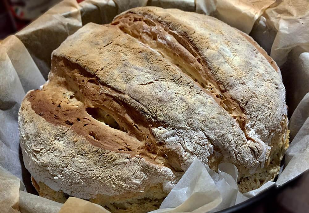 Pâine de casă fără frământare cu mix de semințe