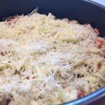 Paste al forno cu pui și ciuperci în tavă