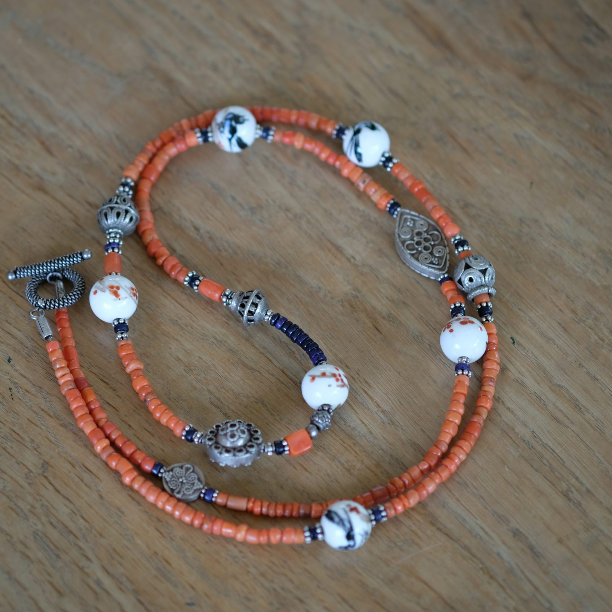 necklace of old coral from Zeeland, old Chinese porcelain beads