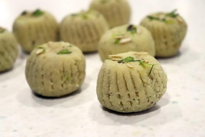 Pera Pahalwans Sweets