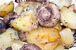 Cartofi la cuptor cu ciuperci & Cocoş Chardonnay, Recaş
