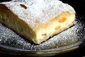 Plăcintă cu brânză de vaci & Lacrima lui Ovidiu alb
