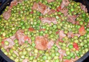 Mâncare de mazăre cu carne & Branciforti Rosato