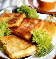 Sandvici pané (Mozzarella in carozza)