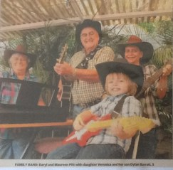 Daryl & Maureen Pitt & Family 2011 (Townsville Daily Bulletin 27 Sept 2011)