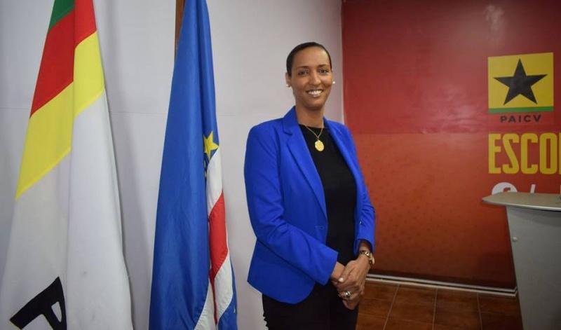 """Janira critica """"políticas proteccionistas"""" do governo ao nivel das telecomunicações"""