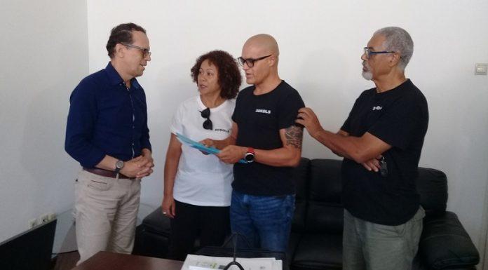 São Vicente e TACV: Sokols entrega abaixo-assinado para repor voos internacionais a protocolo do Primeiro-ministro