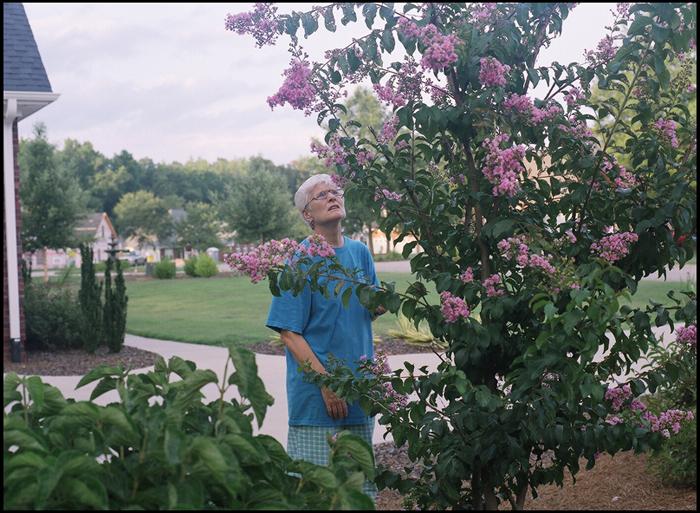 mom07-07-02web.jpg