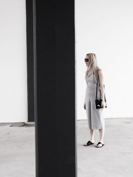 monochrome-minimal-style-blogger