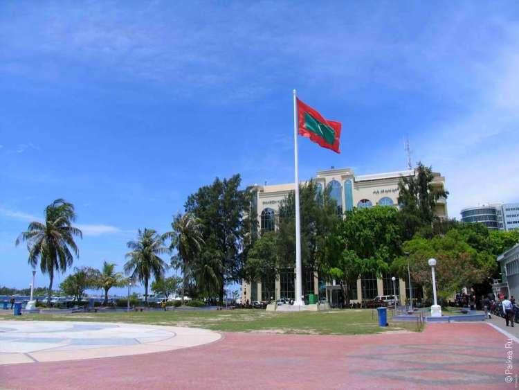 Наличные деньги на Мальдивах и банковские карты