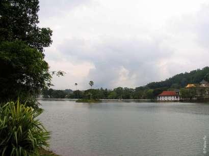 Озеро Канди в Шри-Ланке