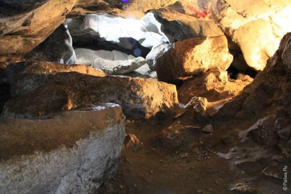 В пещере Золотого Дракона