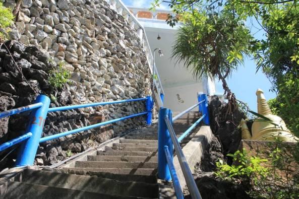 последние из 1237 ступеней лестницы