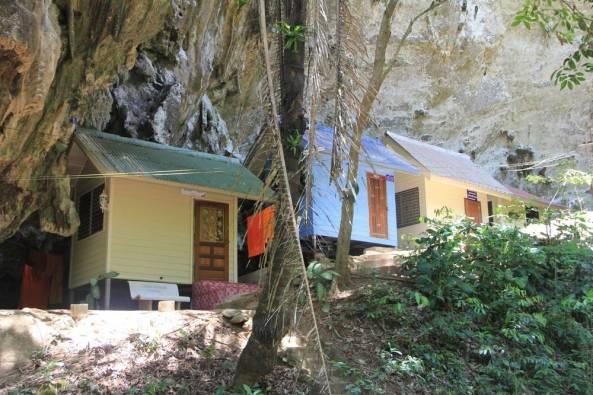 Монастырь и центр випассаны Там Суа Као Кео, Краби, Таиланд 13
